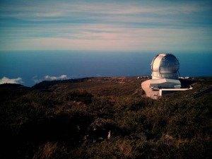 El Gran Telescopio de Canarias, el más grande del mundo, tiene las nubes a sus pies.